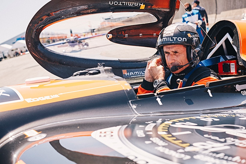 ↑今年のグローバル・タイムキーパーは、ハミルトンが担当。チーム ハミルトンのニコラス・イワノフ選手は、Round of 14で大会を終えた Nicolas Ivanoff of France prepares to take off during the finals at the third stage of the Red Bull Air Race World Championship in Chiba, Japan on June 4, 2017. // Balazs Gardi/Red Bull Content Pool