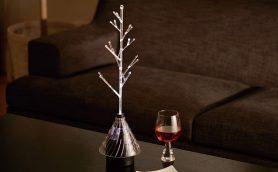 光と音でワンランク上の空間を作る――ガラスでできたツリー状スピーカー「OTOHIKARI」