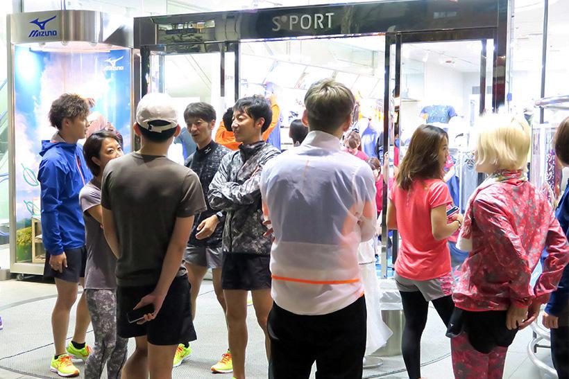 ↑試走会には多くの関係者が参加。WAVE SHADOW の注目度の高さが伺える