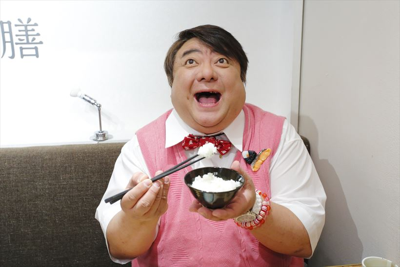 グルメ:「食レポの神」は500円...