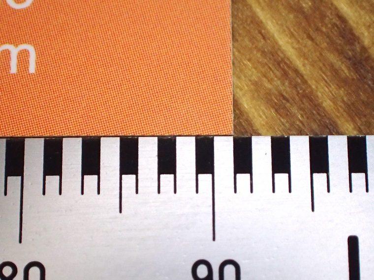 ↑横91mmの名刺を測ってみた。感覚的に目盛りを読み取りやすい