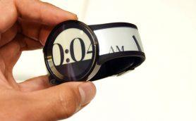 ソニーらしさ全開! 「ほぼ全部電子ペーパー」の腕時計・FES Watch Uに触ってきた