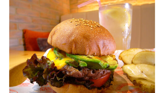 徒歩15分でもお客が集まるのはなぜ? 青葉台「COCOCHI BURGERS」が目指す「どれを食べても美味しい」バーガーの実力