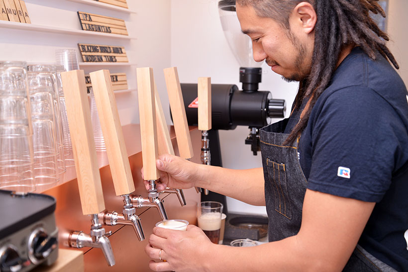 ↑クラフトビールは生のハーフパイント(いわゆるMサイズ)が650円、パイント(Lサイズ)が1200円