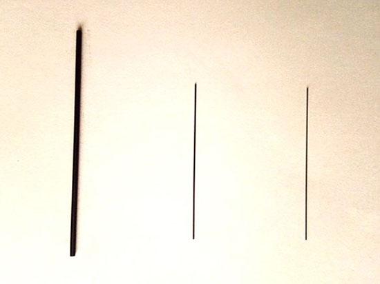 ↑左から2.0mm、0.5mm、0.3mmの芯。2.0mmの太さが際立ちます