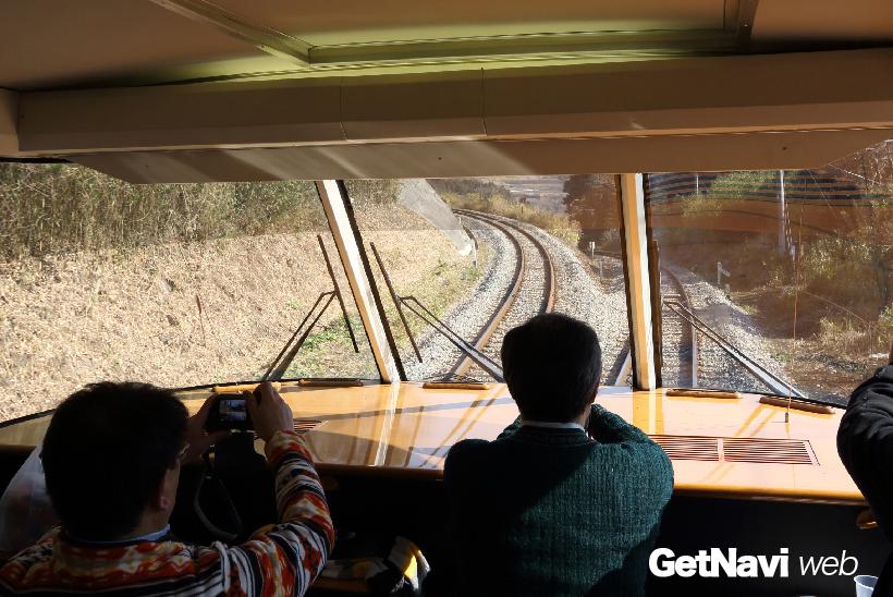 ↑(震災前)特急「あそぼーい!」の展望席から見た立野駅〜赤水駅間のスイッチバック。この区間は、特に乗客の「注目度」が高かった