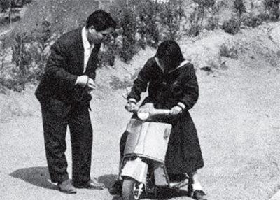 ↑この時代にして、すでにホンダ製のスクーターも存在していた