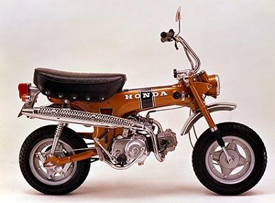 ↑ダックスも様々なモデルチェンジを経て、1981年で一度生産終了に。その後、1995年にリメイクモデルが登場した