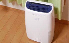 デロンギ初、3万円の衣類乾燥除湿機を徹底レビュー! このパワーで設置面積「A4サイズ」に驚いた