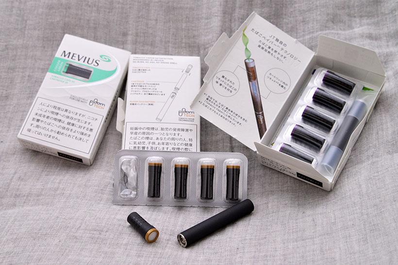 ↑カートリッジとたばこカプセルは別売りで、「メビウス・フォー・プルーム・テック」として各460円。フレーバーはレギュラー、メンソールのグリーン、ベリーミントが香るパープルの3種類がラインナップされています