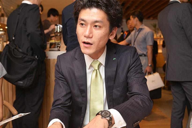 ↑JTのたばこ事業本部のEPマーケティング部主任・嶋倉俊平さん