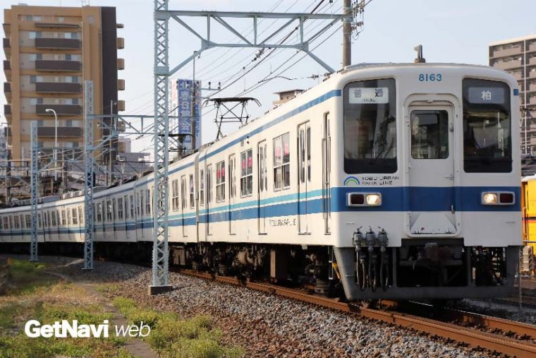 ↑東武アーバンパークライン(野田線)を走る8000系。同線ではまだまだ元気な姿が目にできるが……