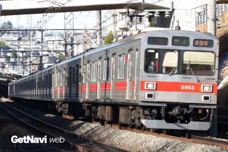 ↑東急田園都市線を走る2000系。東京メトロ半蔵門線の押上駅まで乗り入れて走る