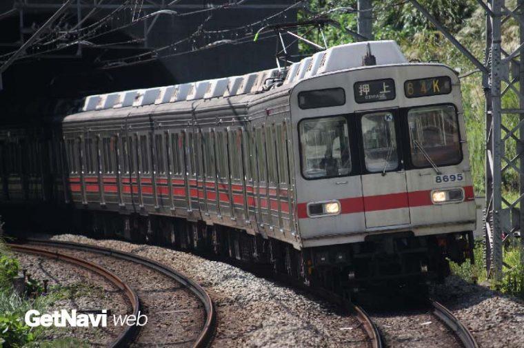 ↑東急田園都市線を走行する8590系は現状、平日の朝夕のみの運用がほとんど