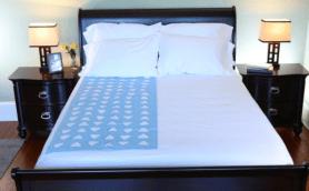 睡眠の質が激変! ベッドの温度を下げて「筋肉を早く回復させるシート」が海外で大絶賛の嵐