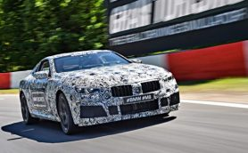BMWが開発中のM8プロトタイプの走りを公開!【デモ走行動画】