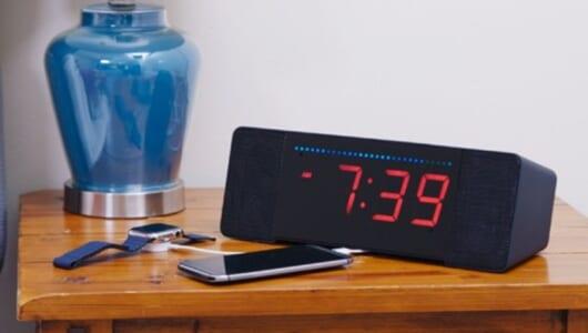 アラームだけじゃない目覚ましが最新トレンド! 便利な機能が搭載されている「超ユニークな目覚まし」3選