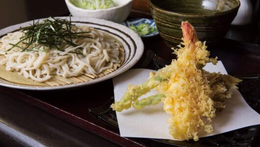 【市場そばの名店】色白ながら、そばの風味が効いている! 手打ち麺と良質素材の天ぷらが自慢の府中「そば敏」