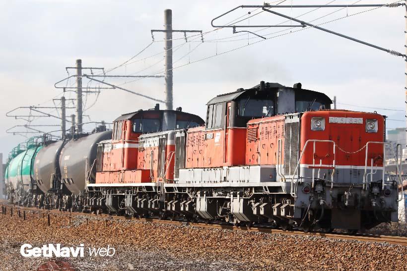 ↑関西本線で活躍するDD51形式。稼働中の車両が17両(2017年3月)と徐々に減りつつある