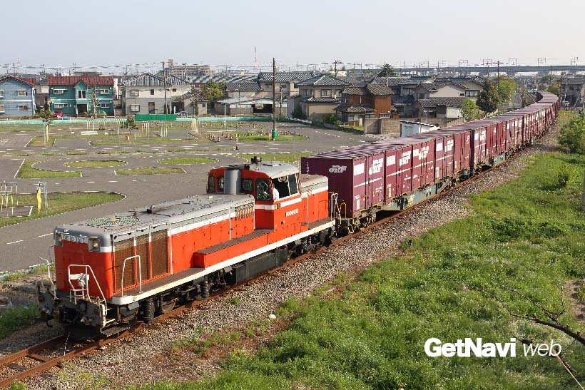 ↑DE10形式は信越貨物支線など各地の本線・支線輸送に欠かせない機関車でもある