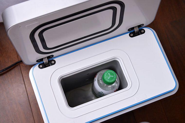 ↑ボックス内はボトルがちょうど2本入る設計になっています