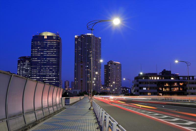 絞り優先オート F11 6秒 ISO100 WB:白色蛍光灯 仕上がり設定:風景 長秒時露光のノイズ低減:自動