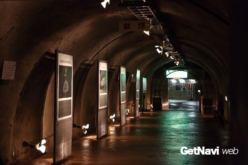 ↑体験坑道駅から坑道が竜飛定点に向け延びる(定点には入れない)。坑道内では、青函トンネル工事の歴史や掘削用の機器などが展示されている