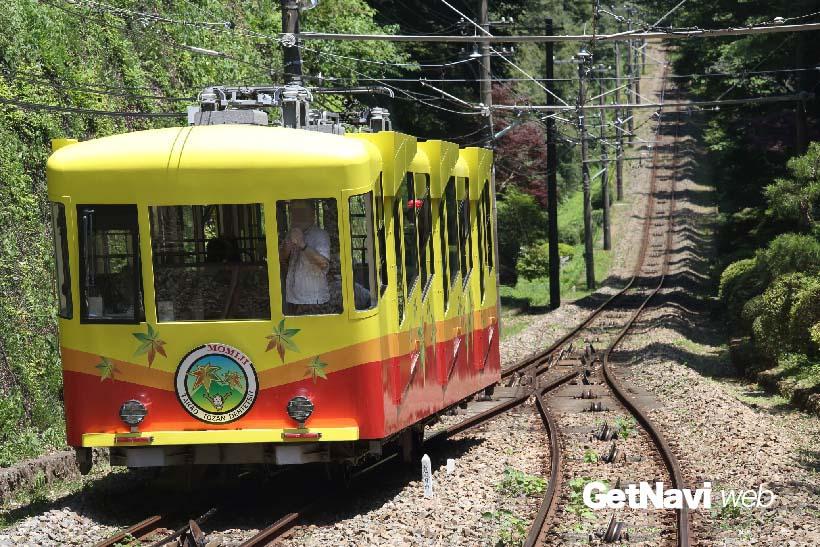 ↑日本の鉄道としては最大の急勾配の608‰を走る。斜度としては31度18分にあたる