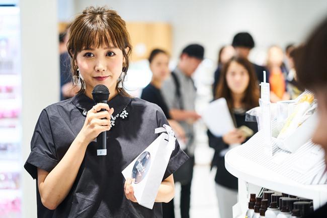 モデルの田中里奈さんもTEAM LOFTメンバーとしてオープニングに登場