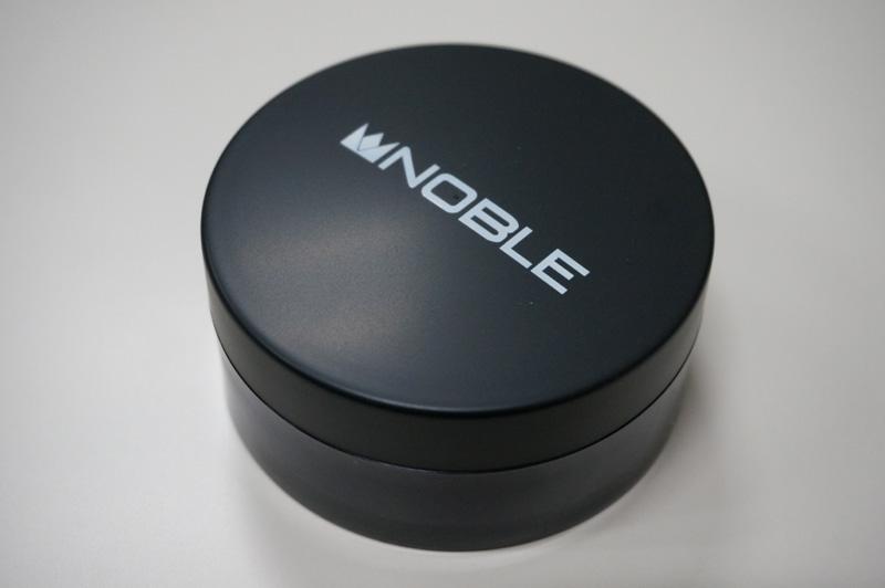 ↑すべてのモデルにハードタイプのキャリングケースが付属する