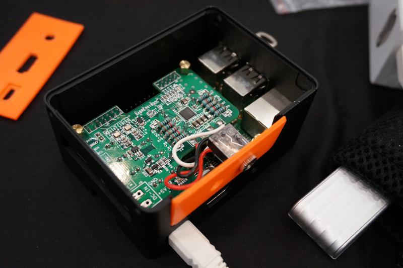 ↑DACボードの装着性を高めた、海上氏プロデュースによるラズパイオーディオ用ケースを出展