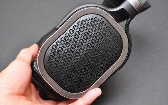 ↑オープンエア(開放)方式のハウジングを採用。音抜けが良く切れ味鋭いサウンドが特徴