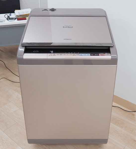 ↑洗濯容量12kgの「DX120B」。実売想定価格は25万円前後(税別)