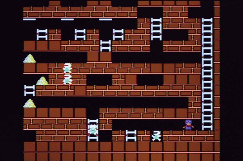↑プレイヤーを追いかけてくる敵のロボットを、どう誘導するかが本作のポイント。この46面も敵をハシゴに固めて、その上を渡っていく