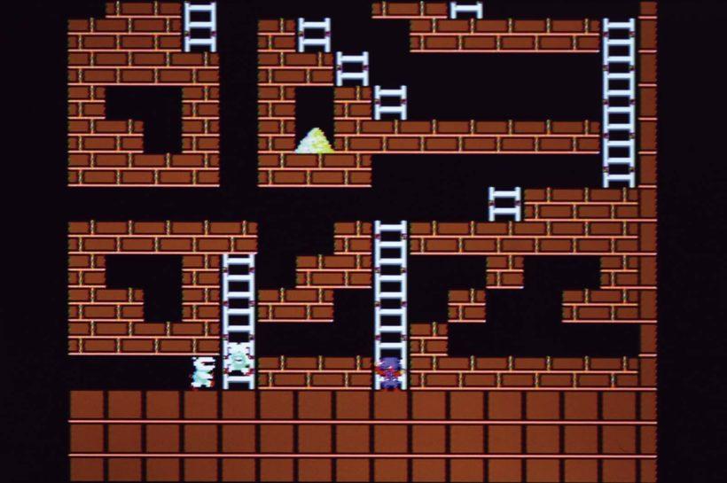 ↑49面は落とし穴が多くパズル要素の強い面。画面右下の空洞にロボットの閉じ込めを狙うのがプロの技とか
