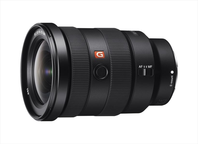 ↑SONY FE 16~35ミリ F2.8 GM ●フォーマット・マウント/フルサイズ・ソニーE●最短撮影距離/0.28m●最大撮影倍率/0.19倍●フィルター径/82㎜●大きさ・重さ/約88.5×121.6mm・約680g 参考価格: