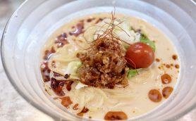 食通を虜にした上品なピリ辛スープとは? 「冷やし担々麺」が絶品すぎる人形町「麺やまらぁ」