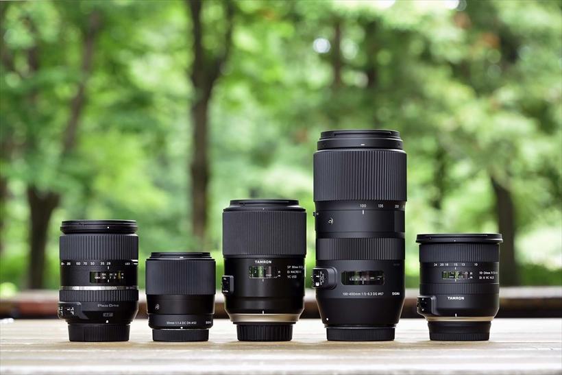 ↑10万円以下の安くてイイ交換レンズ、第1位は「伝説のマクロ」と呼ばれる名レンズの最新版。手ブレ補正が強化され、手持ちでのマクロ撮影も可能な便利な単焦点レンズだ