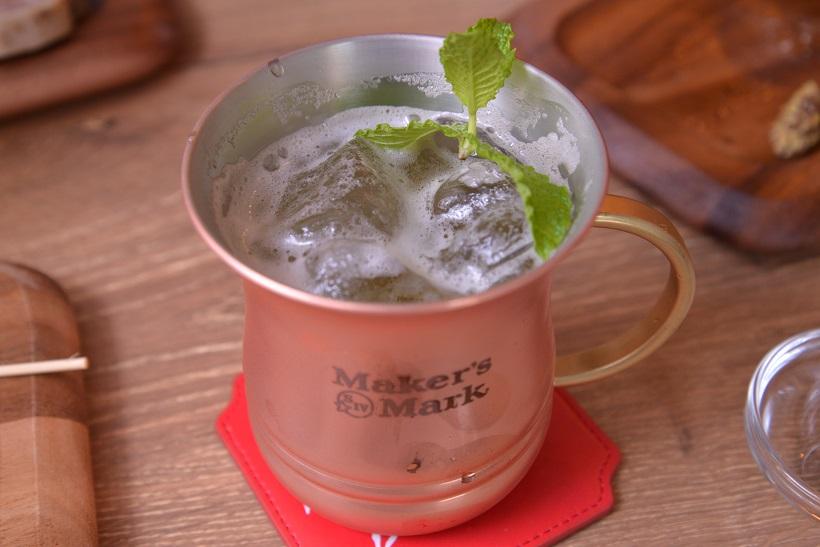 ↑こちらはバーボンの定番カクテルであるミントジュレップ。フレッシュな味わいで、夏にサイコー!