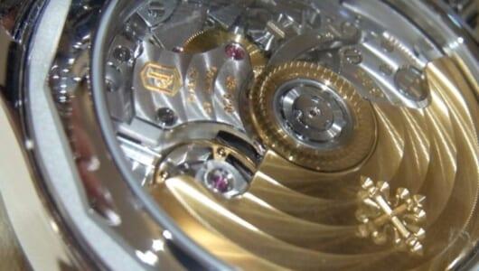 【腕時計の素朴な疑問】30万以下と100万オーバーのクロノグラフ、ムーブメントはどう違う?