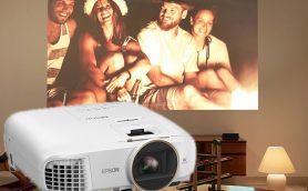 週末は自宅シアターで映画鑑賞なんていかが? エプソン「dreamio」からホームプロジェクター3機種が登場
