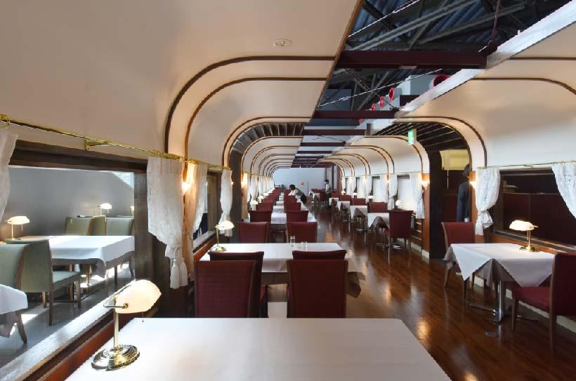 ↑本格的なメニューが楽しめるトレインレストラン日本食堂。営業は土・日曜休日が10時30〜18時(17時30分LO)、平日が11時から(終了時間は同じ)
