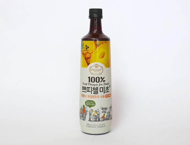 ↑100%果実醗酵方式で作られている果実酢で、合成甘味料・合成保存料・人工色素は全て無添加です。