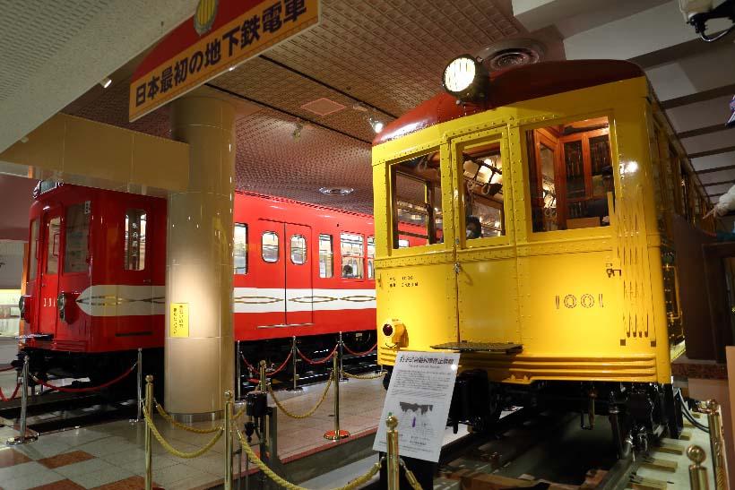 ↑地下鉄最初の電車として走った銀座線の1001号車。奥は丸ノ内線の301号車。いずれも地下鉄草創期に活躍した電車だ