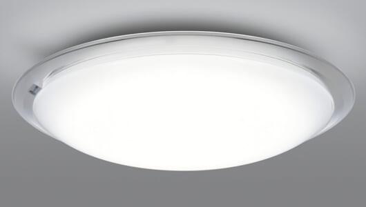 LEDのレンズは1種類とは限らない! 日立より透明・半透明・透明の3種を使い分けた高効率シーリングライト
