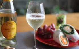 【カルディ】この本格「泡酒」が1000円以下!? 週末の食卓をステキに変える「スパークリングワイン」3選