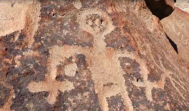 発見場所の洞窟に残されていた岩絵。