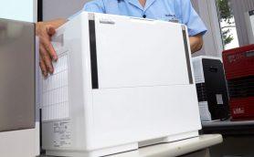 「時計の秒針の音」より静か、でも加湿量はNo.1! カラッカラのオフィスを救うパワフル加湿器が登場