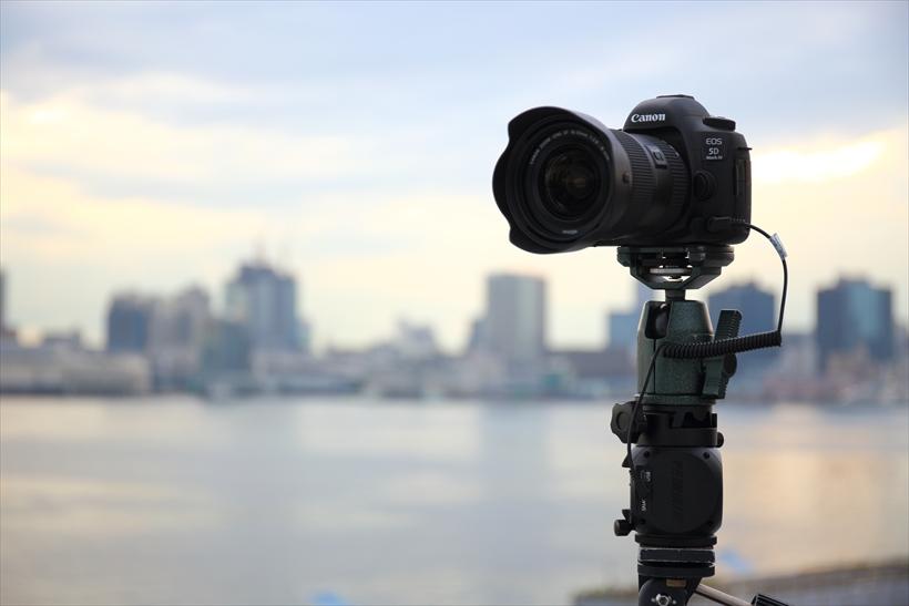 ↑カメラ内で動画が生成されるタイムラプス機能は便利だが、動画を編集まで考えると1枚1枚の写真をつなぎ合わせて動画にするほうが調整が行いやすい。そのため、あえてタイムラプス機能を使わずに撮るのもアリだ
