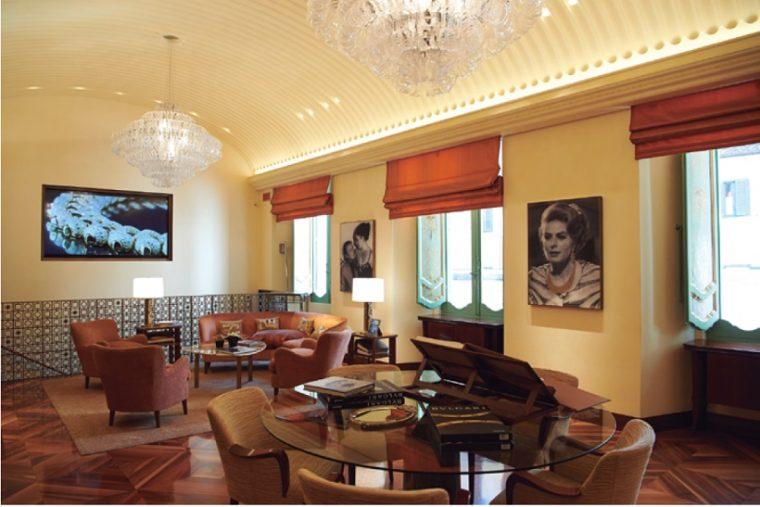 ↑本店2階のジュエリー・ドムス。VIPだけが立ち入ることのできる優美な空間